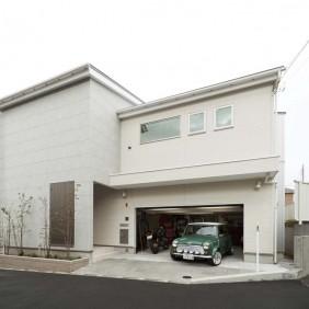 愛甲石田の家